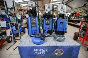 Static pressure washers