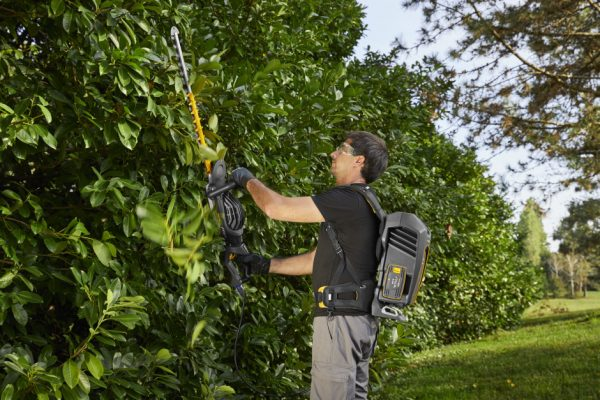 SHT 900 AE Battery Hedge Trimmer (Bare Unit)