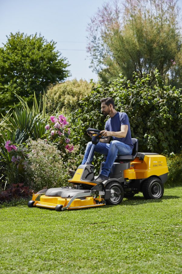 E Park 220 out front battery ride on mower