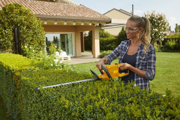 SHT100 AE Kit hedge trimmer Stiga